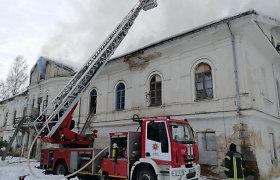 Degė gyvenamas kultūros paveldas: buvusiame Šlapaberžės dvare per gaisrą buvo 4 žmonės