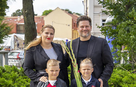 Merūnas ir Erika Vitulskiai sūnų palydėjo į pirmą klasę