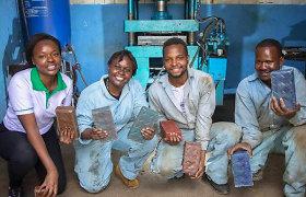 Inžinierė iš Nairobio sprendžia taršos problemą – iš plastiko gamina plytas, tvirtesnes už betoną