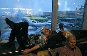 Maskvos oro uostuose uždrausta įsinešti skysčių į lėktuvus
