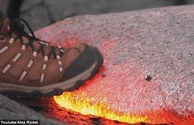 Atostogaujantis neurologas nufilmavo, kas nutinka įmynus į lavos upę