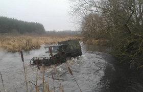 Vilniaus rajone sulaikytas vyras, vikšrine amfibija siaubęs upę ir visą gamtos draustinį