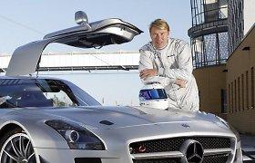 Mika Hakkinenas apie šiuolaikinę F-1: ji privalo judėti į priekį