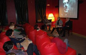"""Kino teatre """"Pasaka"""" – įsimintinas susitikimas su charizmatiškuoju grupės """"Antis"""" lyderiu Algirdu Kaušpėdu"""
