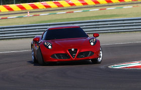 """""""Alfa Romeo"""" planuoja konkuruoti su BMW kupė modeliais"""