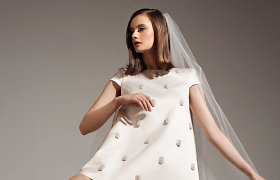 Elegantiškoms nuotakoms – R.Silės suknelių kolekcija: plunksnos, perlai ir audiniai