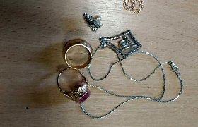 Mažeikiuose apvogta juvelyrikos parduotuvė