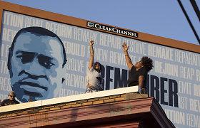 Minint G. Floydo nužudymo metines jo artimieji ragina pertvarkyti JAV policiją