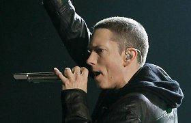 """Pirmą kartą organizuojamų """"Youtube"""" muzikos apdovanojimų ceremonijoje – Lady Gagos ir Eminemo pasirodymai"""