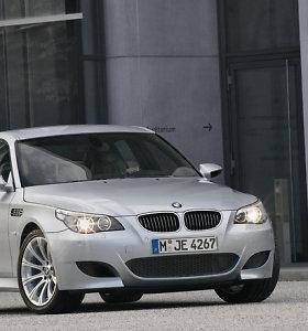 Perkamiausi naudoti automobiliai Lietuvoje, už kuriuos reikės mokėti taršos mokestį: kurį vairuojate jūs?