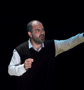 """""""Sirenose"""" – teatro kritikus ir žiūrovus sujaudinęs spektaklis iš Palestinos """"Taha. Poeto gyvenimas"""""""