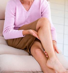 Specialistas: nuolatinis kojų sunkumas gali būti ir klastingos ligos požymis