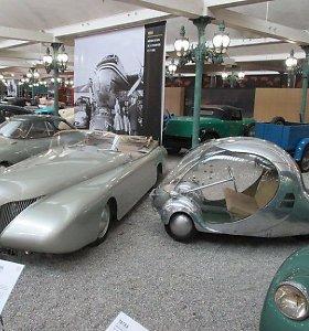 Elektrinis kiaušinis ant ratų: stiklinis stebuklas stebino svoriu ir aerodinamika