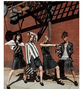 """17-metis Jadenas Smithas – naujas moterims skirtos """"Louis Vuitton"""" kolekcijos veidas"""