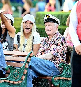 Jaunoji Hugh Hefnerio našlė Crystal Harris jau parduoda savo palikimo dalį – namą Holivude