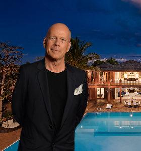 Bruce'as Willisas už 33 mln. JAV dolerių parduoda neseniai renovuotą namą: vaizdas lyg iš pasakos