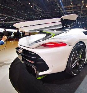 """Superautomobilio """"Koenigsegg"""" pristatyme – legendos Jesko ašaros ir 1600 AG variklis"""