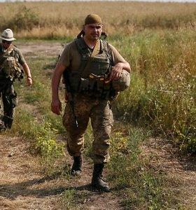 Rytų Ukrainoje nuo snaiperių ugnies žuvo du vyriausybės kariai