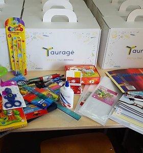 Tauragės valdžia siūlo imti pavyzdį: dėžutės su reikmenimis – dovana visiems moksleiviams