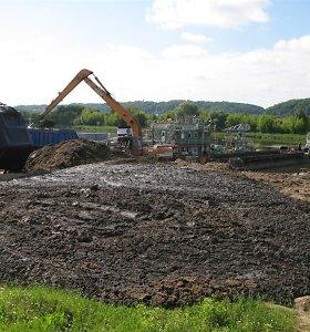 Vyriausybė svarstys drausti kompostuoti gyvulinės kilmės atliekas, dumblą