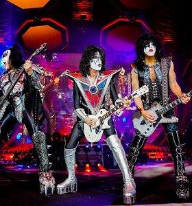 """Roko grupė """"KISS"""" atsisveikinimo koncertų turą atnaujino anšlaginiu šou Japonijoje"""