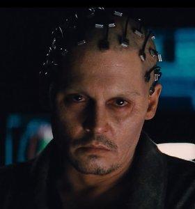 """Johnny Deppas filme """"Viešpatavimas"""" atrodo tarsi gyvas lavonas"""