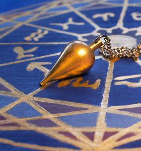 Kodėl moterys tiki horoskopais?