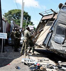 Siera Leonėje apvirtus kariuomenės sunkvežimiui žuvo mažiausiai 10 žmonių