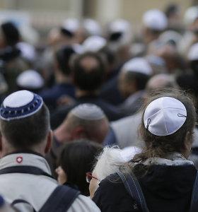 Iššūkis Vokietijai – ir ginti žydus, ir rūpintis antisemitinių pažiūrų pabėgėliais