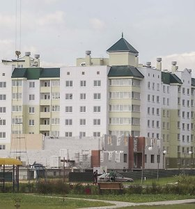 Atominės elektrinės efektas: į Astravą atvykę darbininkai kilstelėjo nuomos kainas