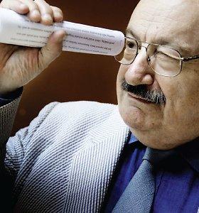 """Umberto Eco: """"Knygos neišnyks, nes juk ir dviračiai, išradus automobilius, niekur nedingo"""""""