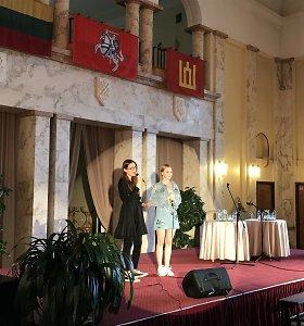 Netikėtas duetas: Ieva Zasimauskaitė ir Paula Valentaitė atliko eurovizinį kūrinį