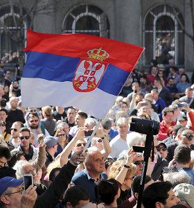 Serbijos prezidentas žada ginti tvarką, protestuotojai reikalauja jo atsistatydinimo