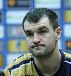 Michailas Anisimovas sukirto rankomis su Latvijos klubu