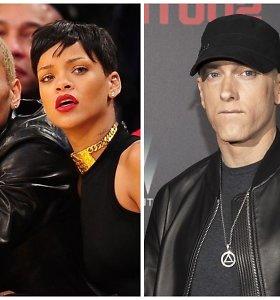 Nutekintoje dainos ištraukoje Eminemas palaiko Rihanną sumušusį Chrisą Browną: gerbėjai piktinasi