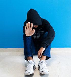 Šeima neviltyje: jų 16-metis sūnus autistas – nevaldomas, tačiau vietoj pagalbos jie gauna tik baudas