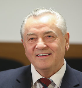Teismas mailiaus byloje paliko išteisinamąjį nuosprendį buvusiam Lietuvos banko vadovui Romualdui Visokavičiui