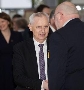 Konservatorius ir Lenkų rinkimų akcijos atstovas susivienijo prieš signatarą Česlavą Okinčicą
