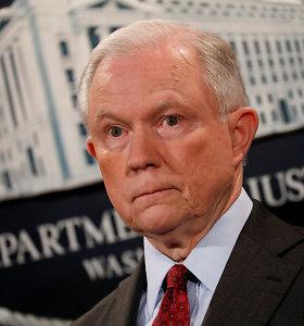 JAV generalinis prokuroras J.Sessionsas politiką išskirti imigrantų šeimas teisina Biblijos citatomis