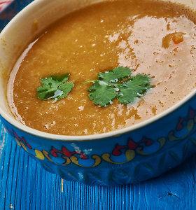 Indiška lęšių sriuba su pikantiškomis natomis