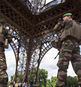 Prancūzijoje kritikuojamas vyriausybės sprendimas per protestus dislokuoti karius