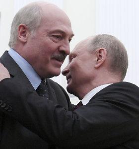 """Rusija nori """"praryti"""" Baltarusiją: ką dėl kaimynės suvereniteto gali nuveikti Lietuva?"""
