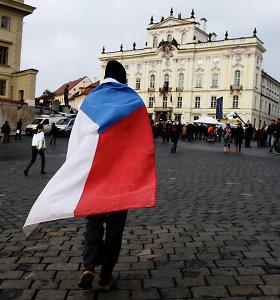 Kinija grasina Čekijos įmonėms dėl kelionės į Taivaną
