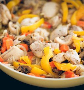 Vieno puodo vištienos patiekalai: nuo sočių sriubų iki troškinių. 20 receptų