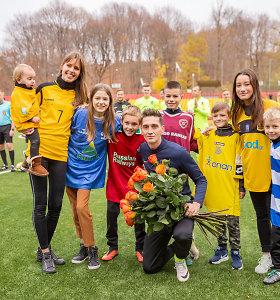 """Paskutinėse futbolininko Deivido Česnauskio rungtynėse – visa šeima: """"Mums ši diena nėra šventė"""""""