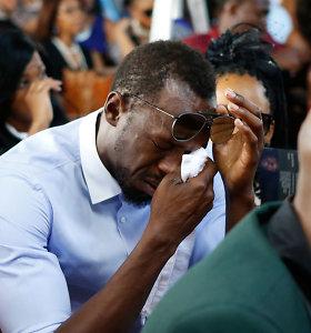 Usainas Boltas nesulaikė ašarų tragiškai žuvusio draugo laidotuvėse