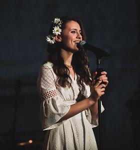 """Ieva Zasimauskaitė pradėjo pirmąjį solinį turą: """"Tokios šilumos nesitikėjau, salė tiesiog vibravo"""""""