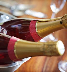 Jungtinėje Karalystėje sukauptos šampano atsargos metams į priekį