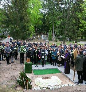 Vytautas Šerėnas išlydėtas į paskutinę kelionę: jautrūs žmonos ir dukros žodžiai