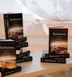 """R.Petrauskas pristatė knygą """"Barbarosas"""": """"Savo skaitytojų nesutalpintume į """"Žalgirio"""" areną"""""""